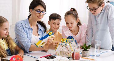 Diventare docenti oggi nella scuola primaria italiana